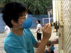 Alunos da USP lixam paredes e fazem reforma em 'trote solidário'