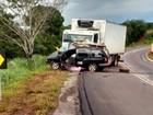 Carro de funerária atinge caminhão e casal morre em rodovia de MT