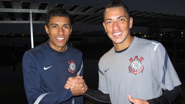 Paulinho e Ralf, Corinthians (Foto: Carlos Augusto Ferrari / Globoesporte.com)