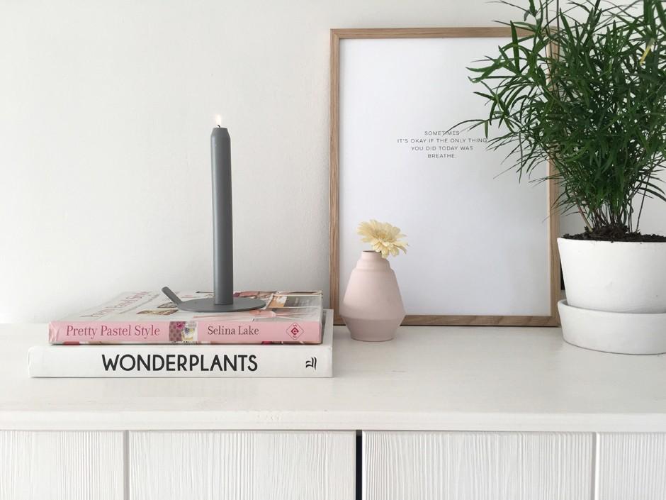 Para garantir um clima romântico ao décor, Inge indica apostar em plantas e velas (Foto: Inge van Cleef/Divulgação)