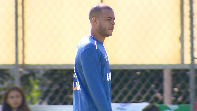 Mayke, lateral do Cruzeiro (Foto: Reprodução/TV Globo Minas)