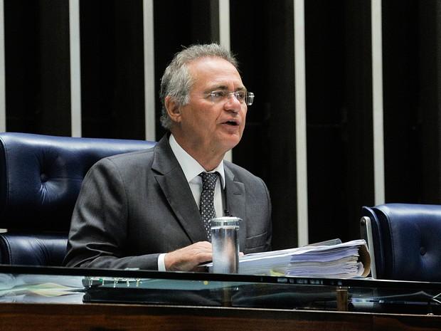 O presidente do Senado Federal, senador Renan Calheiros (PMDB-AL), abre a sessão. O primeiro item da pauta é a PEC do Teto de Gastos (PEC 55/2016) (Foto: Jane de Araújo/Agência Senado)