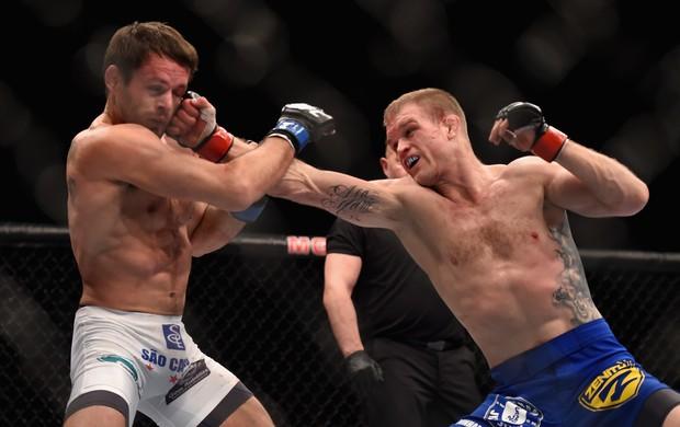 Evan Dunham x Rodrigo Damm - UFC 182 (Foto: GettyImages)