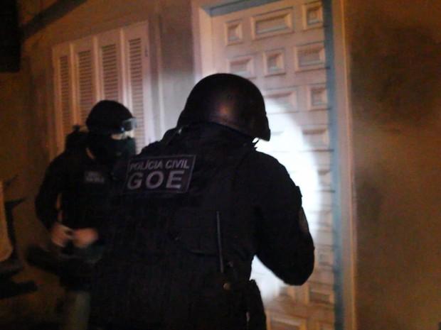 Três pessoas foram presas em ação da Polícia Civil em Porto Alegre (Foto: Polícia Civil/Divulgação)