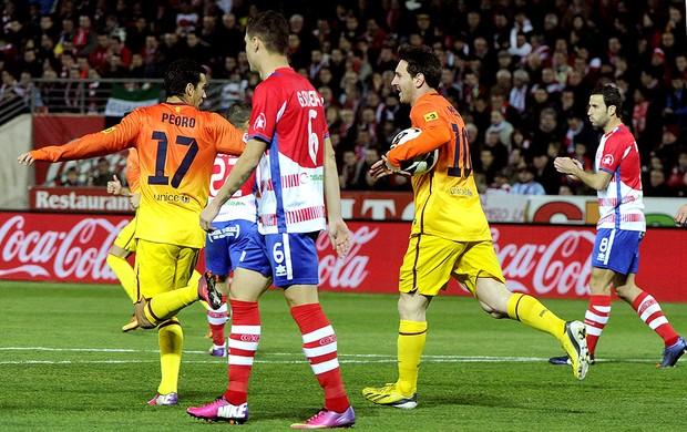 Messi comemora gol do Barcelona contra o Granada (Foto: EFE)