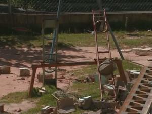 Salão ficava ao lado do parquinho onde crianças brincam (Foto: Reprodução EPTV)