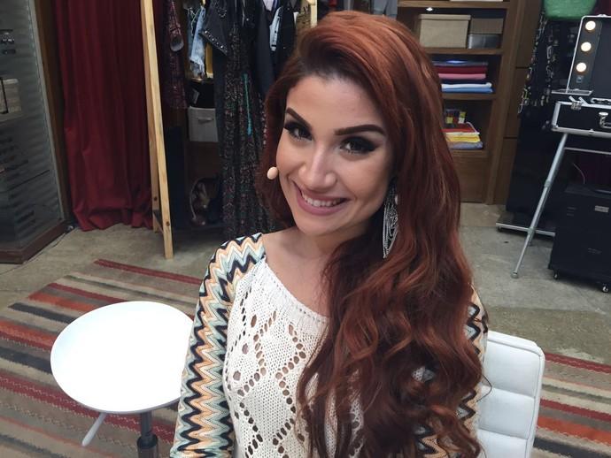 Bianca Andrade ensina passo a passo de olhar sedutor (Foto: Priscilla Massena/Gshow)