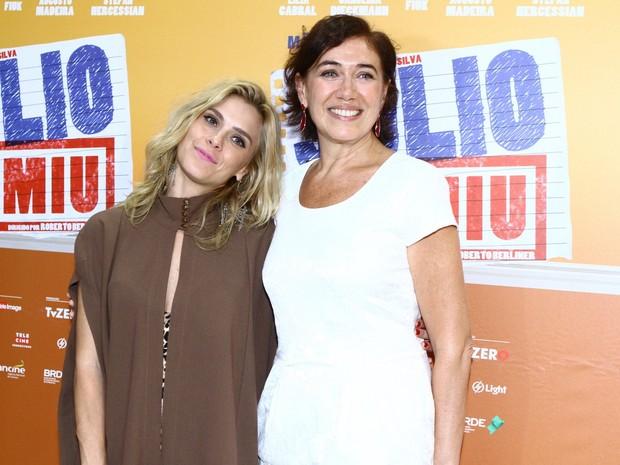 Carolina Dieckmann e Lilia Cabral em pré-estreia de filme no Rio (Foto: Raphael Mesquita/ Foto Rio News)