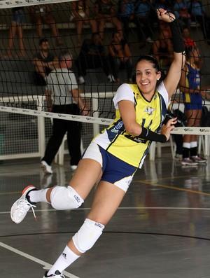 Mariana Zilio irmã de Natália na quadra de vôlei das Olimpíadas Escolares  (Foto  Andre 4f5a8e0238d75