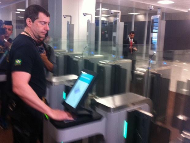 Teste de passaporte em Cumbica é rápido (Foto: Tatiana Santiago/G1)