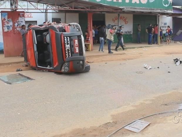 O carro de passeio foi o causador do acidente, segundo testemunhas (Foto: Reprodução/TV Roraima)