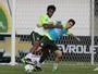 194 minutos, zero gol: Gil tenta manter sua invencibilidade contra o Paraguai