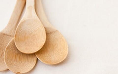 Utensílio indispensável: colher de bambu