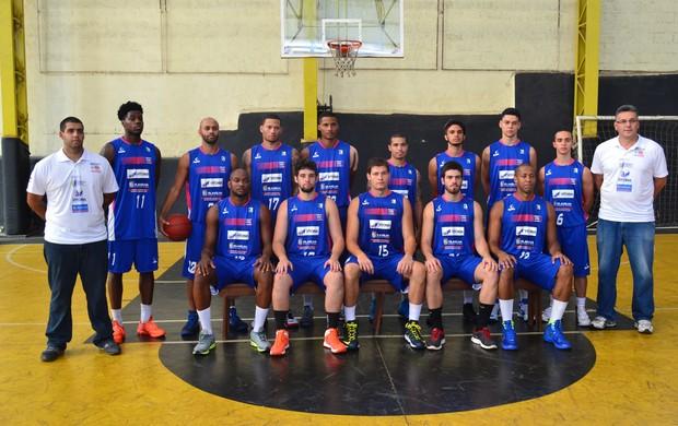 Jogadores do Espírito Santo Basquete participaram de media day nesta terça (Foto: Richard Pinheiro/Globoesporte.com)