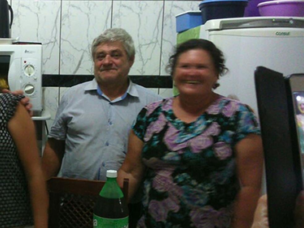 Odílio e a mulher aceitaram copo de refrigerante de desconhecido e passaram mal após ingerirem a bebida (Foto: Arquivo Pessoal)