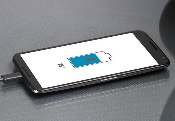 Carregador da Motorola promete recarga rápida (Foto: Divulgação)