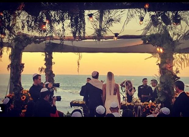 Cerimônia acontece no litoral catarinense (Foto: Reprodução/Instagram)