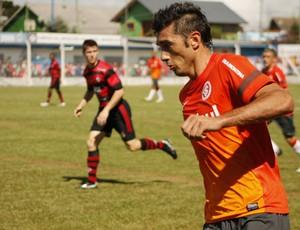 Dátolo em jogo-treino do Inter (Foto: Diego Guichard)