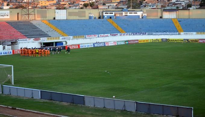 Boa Esporte treina no Melão, em Varginha (MG) (Foto: Régis Melo)