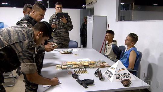 Dois irmãos são presos em Ribeirão das Neves suspeitos de porte ilegal de armas