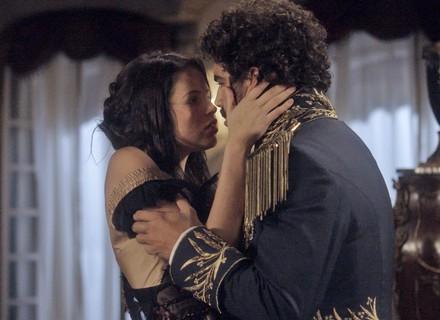 Pedro e Domitila se beijam pela 1ª vez