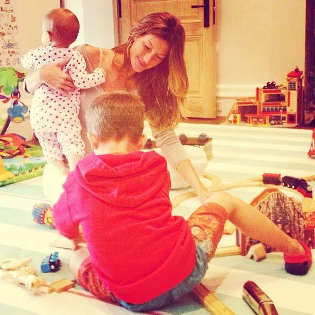 Gisele Bündchen e filhos (Foto: Instagram / Reprodução)