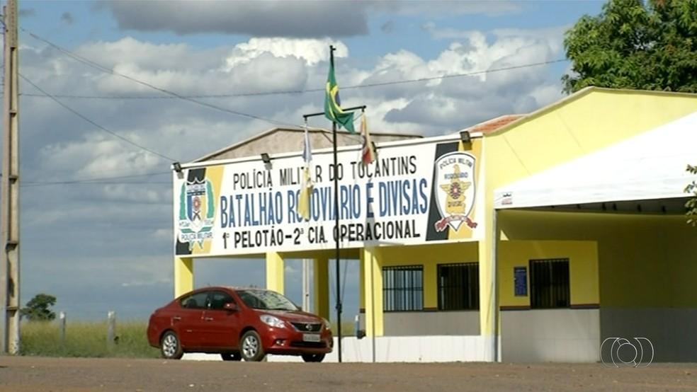 Postos da Polícia Rodoviária Estadual estão funcionando em esquema de revezamento (Foto: TV Anhanguera/Reprodução)