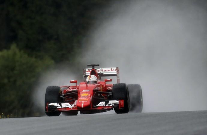 Sebastian Vettel treino GP Áustria - AP (Foto: AP)