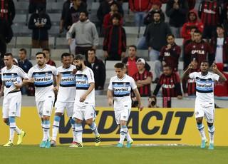 Grêmio comemoração Atlético-PR  (Foto: Rodolfo Buhrer / Estadão)
