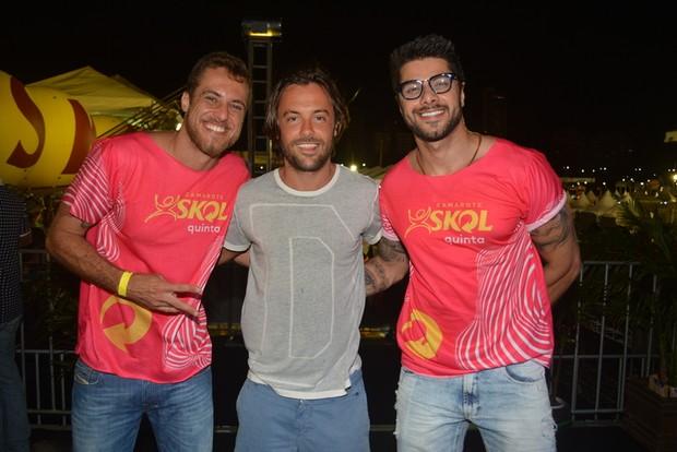 Kayky Brito e os ex-BBBs Daniel Manzieri e Renan Oliveira em micareta em Natal (Foto: Felipe Souto Maior/ Ag. News)