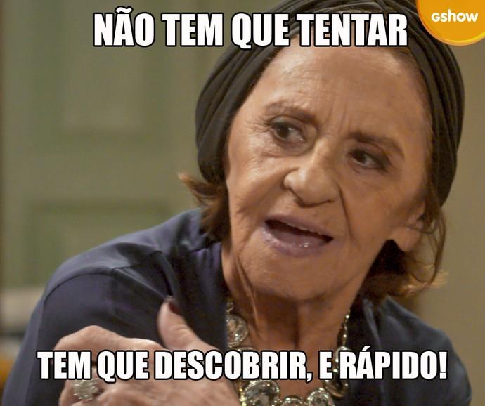 Dona Sinhá manda muito em César ao longo da trama (Foto: TV Globo)
