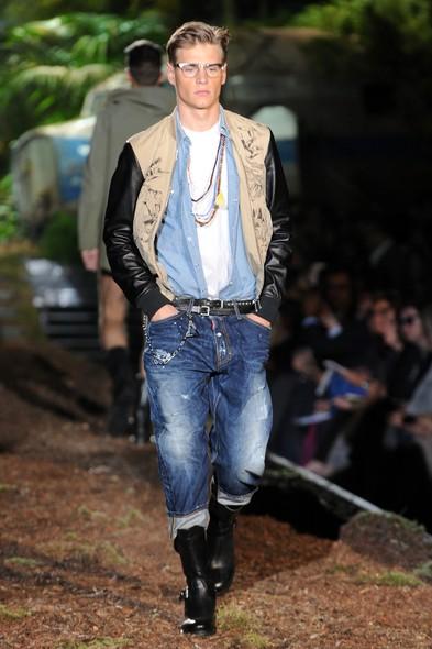 Modelo em desfile da DSquared2, na Semana de Moda de Milão Primavera/Verão 2014