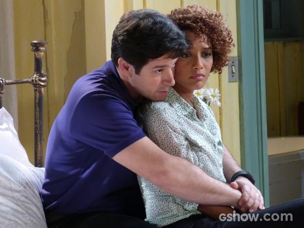 Jonas implora que Verônica fique com ele em Brasília (Foto: Geração Brasil/TV Globo)