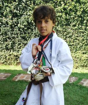 Gustavo Furuuti Fernandez, aos 12 anos, se destaca no caratê (Foto: Ronaldo Nascimento / Globoesporte.com)