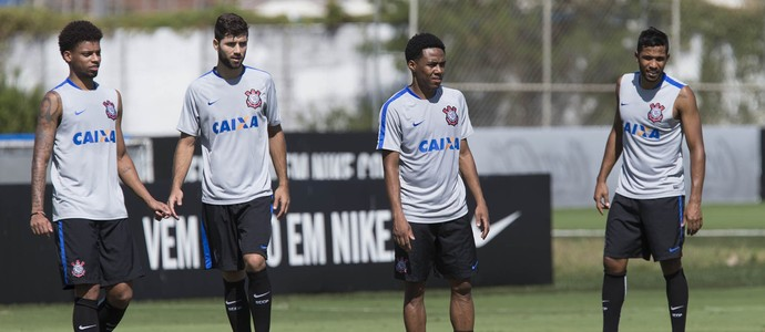 André, Felipe, Elias e Yago: titulares do Corinthians (Foto: Daniel Augusto Jr. / Agência Corinthians)