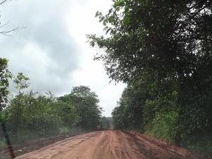 Trecho do BR 156 receberá 62 quilômetros de asfalto (Foto: Cassio Albuquerque/G1)