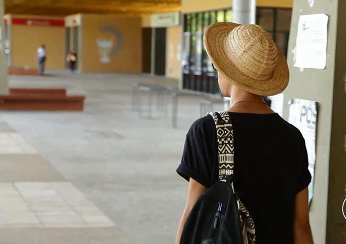 Chapéu é acessório fundamental de proteção contra sol no Piauí (Foto: Reprodução/Rede Clube)