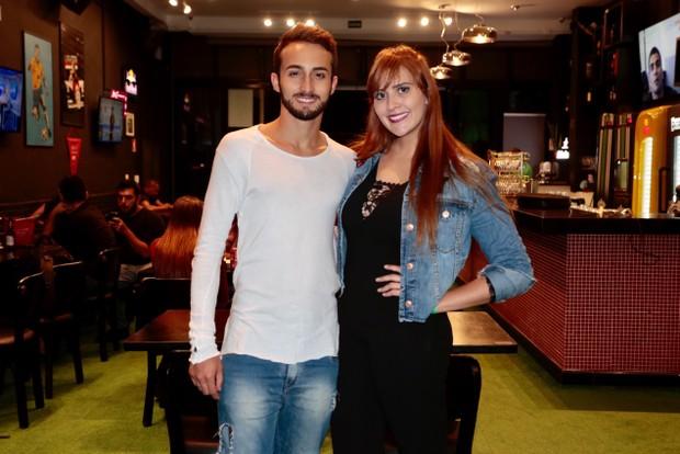 Tamires e seu namorado Gabriel Stephany -  Ex BBB assiste a estreia do programa (Foto: Rafael Cusato/EGO)
