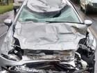 Betoneira é arremessada e destrói veículo em acidente de trânsito em SC