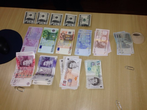 Dinheiro apreendido durante operação da Polícia Federal (Foto: Divulgação Polícia Federal)