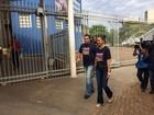 Carlos Amastha vota em Palmas na manhã deste domingo