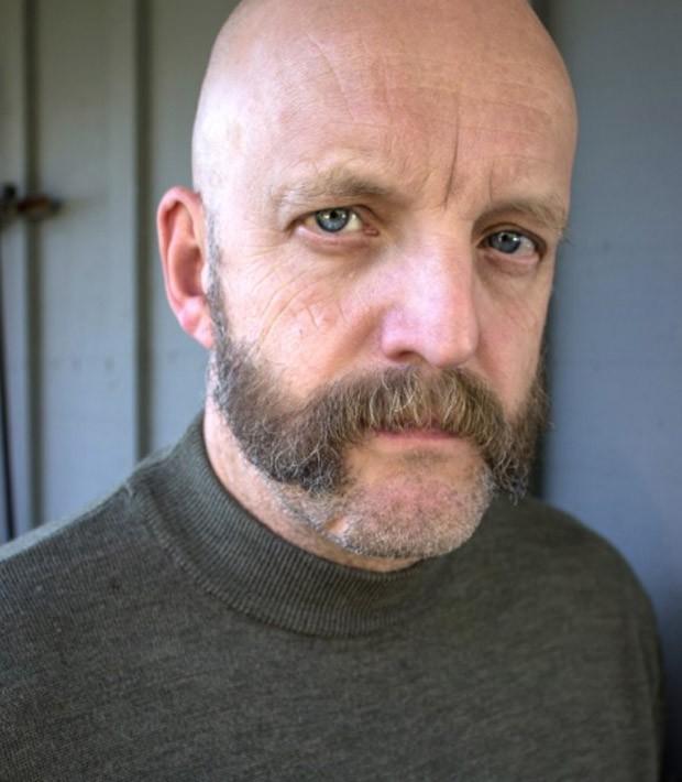 Jim Tavaré viveu Tom, o dono do bar Caldeirão Furado, em 'Harry Potter e o Prisioneiro de Azkaban' (Foto: Reprodução/IMDB)