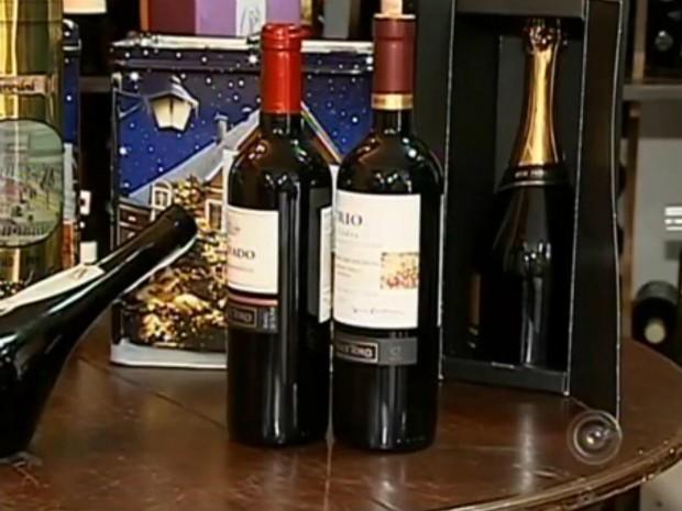 Vinhos são umas das bebidas preferidas para a passagem do Ano Novo (Foto: Reprodução/ TV TEM)