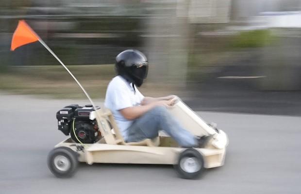 Empresa americana cria kart de madeira para montar em casa
