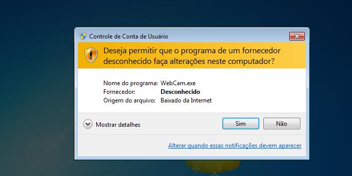 Autorizando a execução do WebCam On-Off (Foto: Reprodução/Edivaldo Brito)