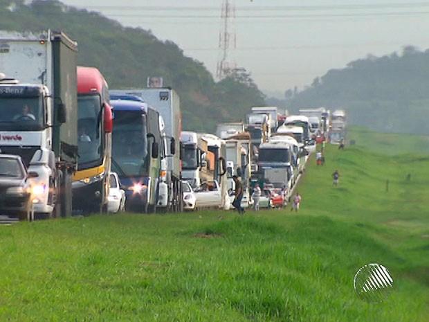 Congestionamento (Foto: Imagem/TV Bahia)