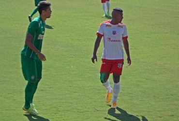 Jackson, atacante Velo Clube (Foto: Paulino Mello)