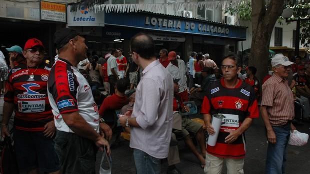 Torcedores do Campinense, título da Copa do Nordeste, calçadão (Foto: Lucas Barros / Globoesporte.com/pb)