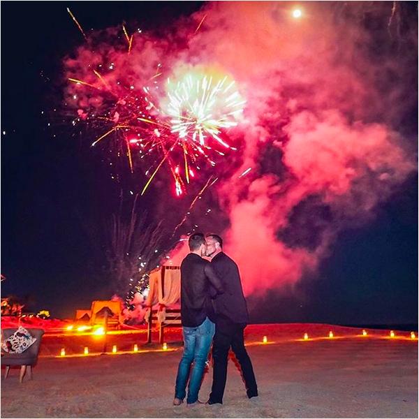Colton Haynes e o noivo (Foto: Instagram)