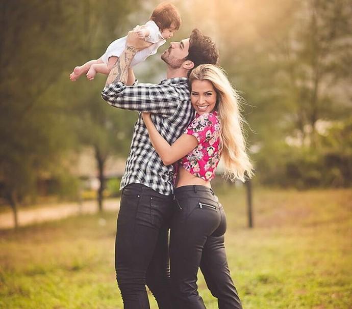 Casado com a também participante Adriana, Rodrigão - do BBB15 - é pai do Rodrigo (Foto: Arquivo Pessoal)